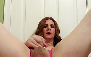 Amatteur Crossdresser Mastubating