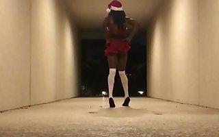 Crossdresser Sissy Gina - Sissy Claus